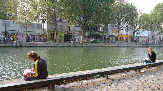 Ambiance aux abords Canal Saint-Martin